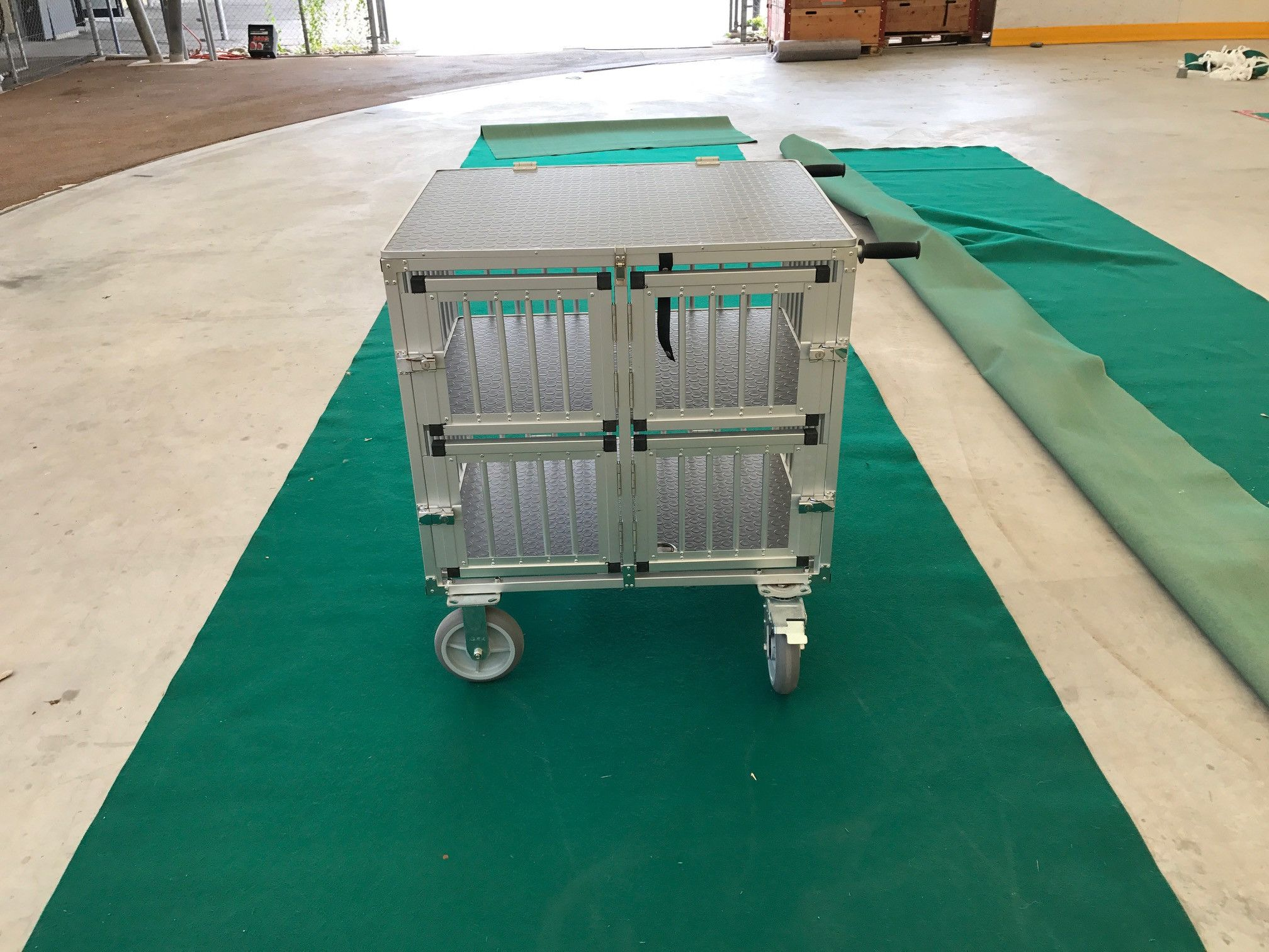 Chariot cage alu 4 compartiments pour expo